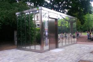 Toilette Holzhausenpark